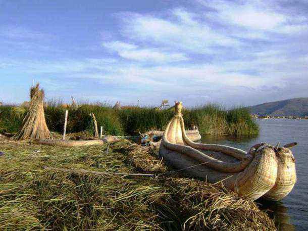 Imbarcazione di papiro molto simile a quelle dell'Antico Egitto