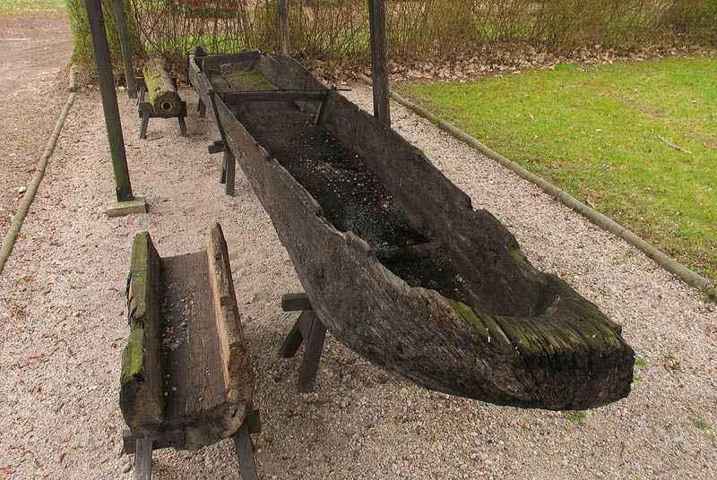 Canoa monossile slava del X° secolo