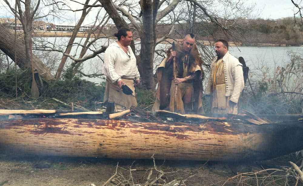 canoa monossile fuoco