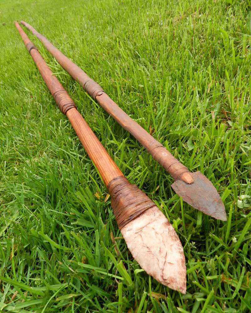Replica di lancia di pietra della Cultura Clovis