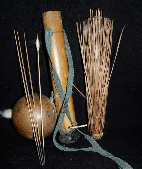 Faretra e dardi di cerbottana della tribù sudamericana Urarina