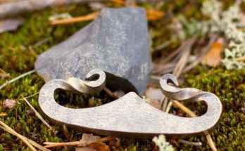 Acciarino e pietra focaia