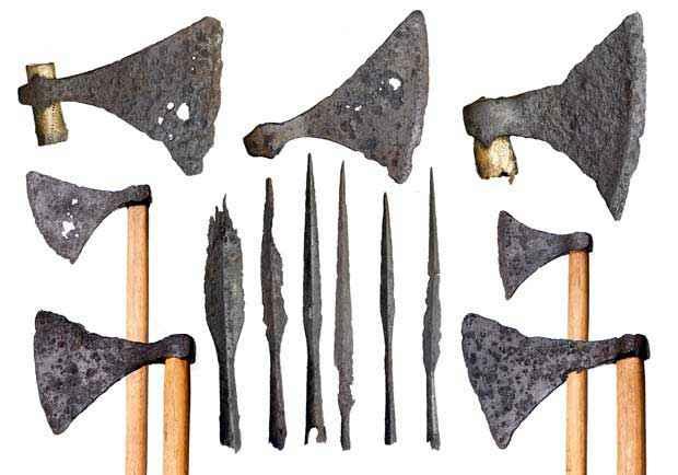 Asce da battaglia vichinghe e punte di lancia rinvenute nel 1920 nei pressi del London Bridge e attualmente conservate al Museum of London