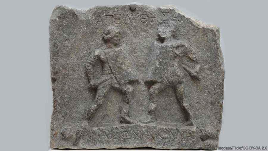 Rilievo ad Alicarnasso che rappresenta lo scontro tra due gladiatrici