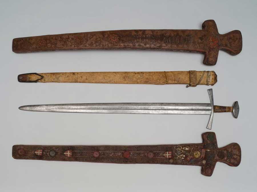 La spada di San Maurizio pesa 1130 grammi. Fonte: Spada detta di San Maurizio con custodia