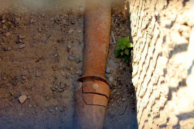 Una delle tubature che liberava Cnosso dalle acque di scarico