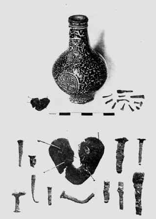 Bottiglia della strega scoperta lungo il Tamigi nel 1926