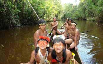 Gli Huaorani sono una tribù amazzonica composta da solo 1500 membri e che segue uno stile di vita tradizionale
