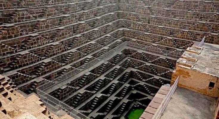 Chand Baori, un'enorme cisterna per l'acqua piovana