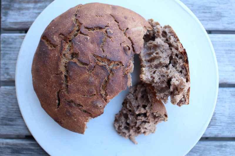 Pane ottenuto mescolando farina tradizionale a farina di corteccia di betulla