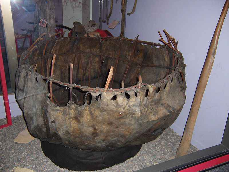 Coracle antico custodito al Field Museum of Natural History, Chicago