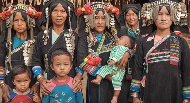 la tribù Akha del Laos, tra tradizione e modernità